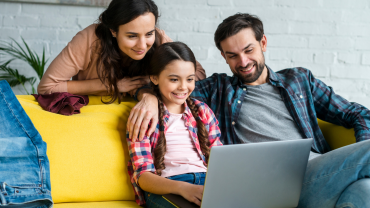 Parents support child's E-leaning